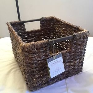 Woven crate